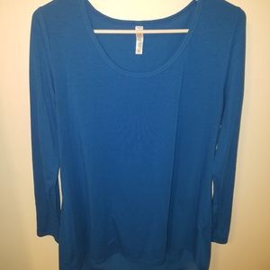 TWO Lularoe Lynnae solid long sleeve tees XL
